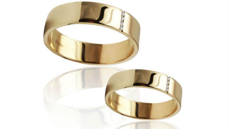 ゴールドの指輪